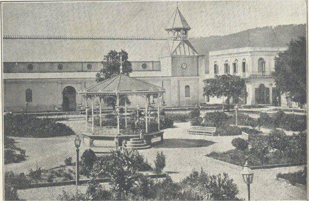 Iglesia y Parque Duarte, La Vega , Republica Dominicana. 1910
