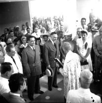 Inauguracón del Hotel Jaragua el 17 de Agosto del 1942. En la foto Monseñor Pitini, Rafael Leonidas Trujillo y Demas invitados al acto. El hotel Jaragua fue Diseñado por el Arquitecto Guillermo Gonzalez, Padre de la Arquitectura Dominicana