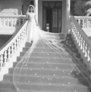 Novia en Escalinata, Ciudad Trujillo, Republica Dominicana 1940 AGN/CONRADO