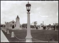 Iglesia y Parque del Poblado de Boca Chica. Republica Dominicana. Imagen de la Decada del 30 Fuente : AGN